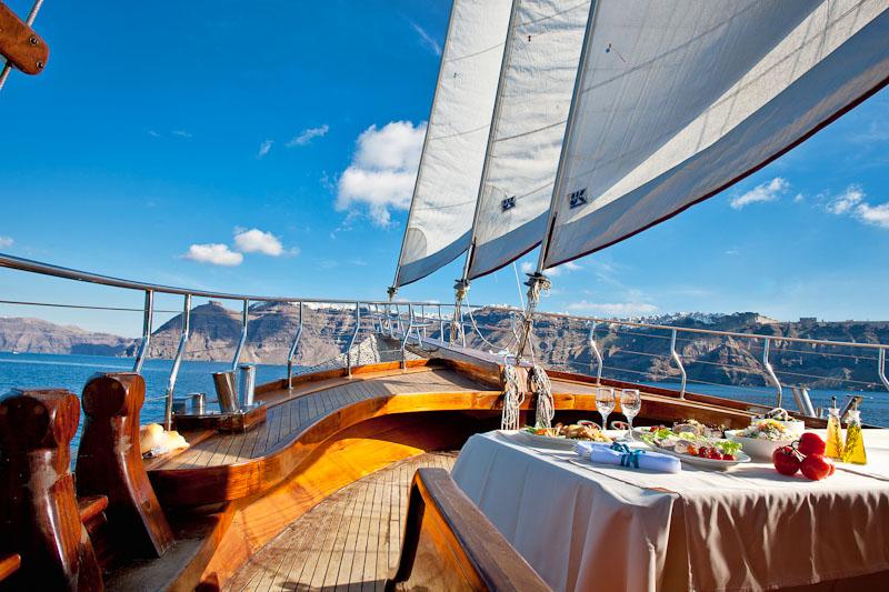 santorini-sea-excursions-09